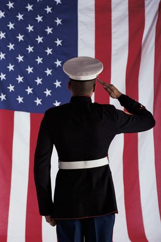2015-08-14 Soldier saluting flag